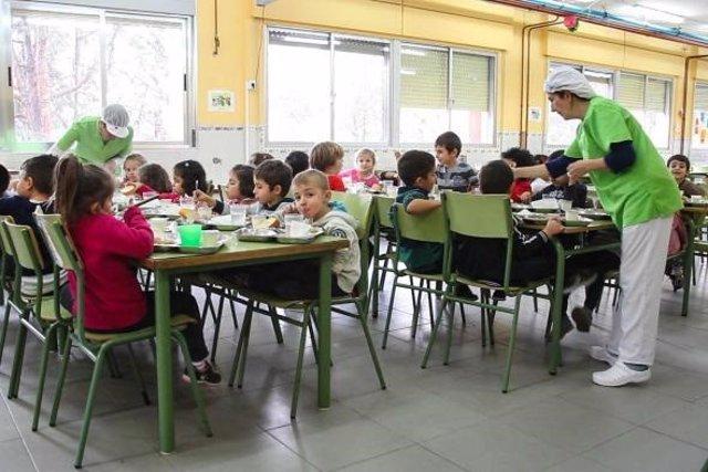 Junta aprueba que el coste del servicio de comedor para este curso escolar sea de 4,65 euros, igual que el pasado año