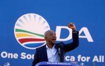 El líder de la Alianza Democrática, Mmusi Maimane
