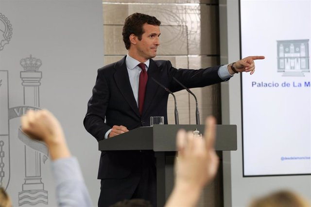 """Casado anuncia una oposición """"firme y responsable"""" del PP y pide a Sánchez que no dependa de los independentistas"""