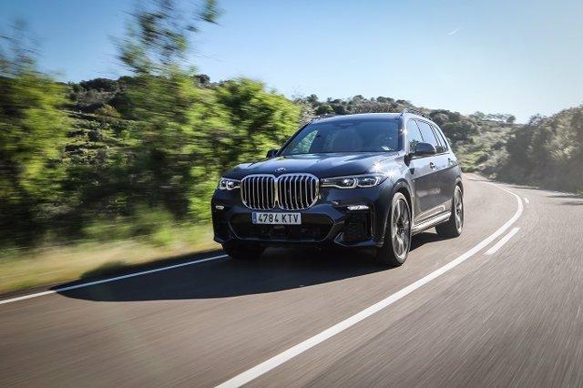 BMW lanza en España el nuevo X7, el modelo más grande de la gama X con 5,15 metros de largo