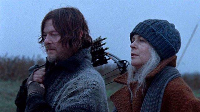 Arranca el rodaje de la 10ª temporada de The Walking Dead: Primera imagen con Daryl y Carol