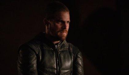 Arrow: Pelea a muerte entre los hermanos Queen en el tráiler del 7x22