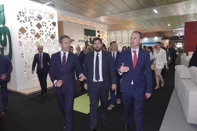 Fotos/ El Presidente De La Comunidad En La Inauguración De La 58 Edición De La F
