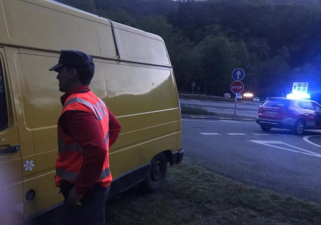 Sucesos.- Detenidos dos ciudadanos franceses por conducir sin carné y forzar el cepo colocado en un vehículo