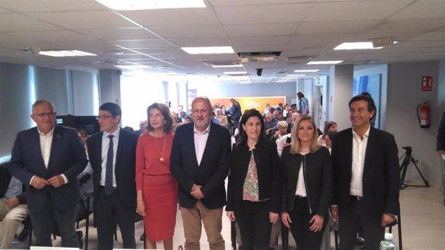 El REB, el turismo y la necesidad de pactos marcan el encuentro con candidatos de la CAEB