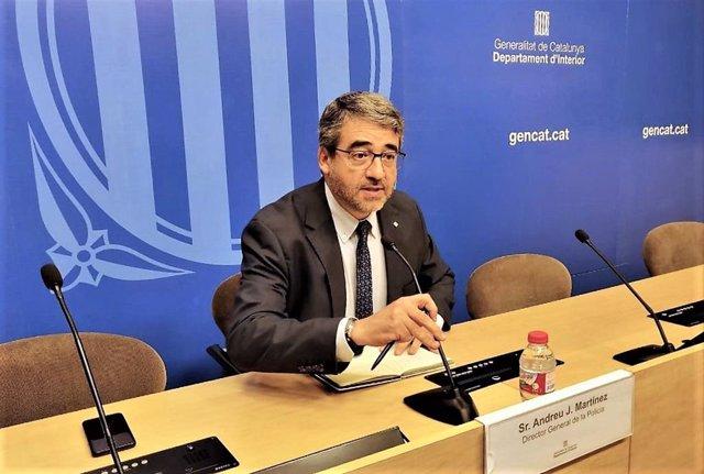 AV.- El director de Mossos niega a Colau que abandonen la seguridad en Barcelona