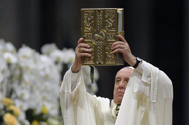 Pope presides over a solemn Easter vigil ceremony
