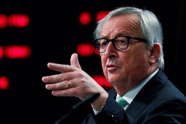 """UE.- Juncker llama a los europeos a votar y a """"luchar con hechos contra populistas y extremistas"""""""