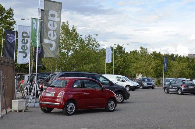 Coches aparcados automóviles vehículos