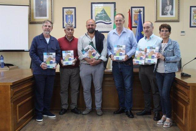 Málaga.-La Mancomunidad de la Axarquía llevará el libro 'El azúcar en la provincia' a todos los municipios de la comarca