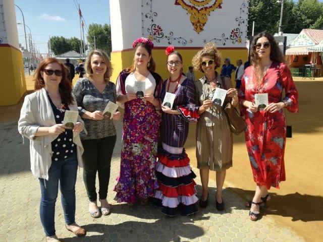 """Sevilla.- 26M.- Adelante distribuye en la Feria 2.000 ejemplares de una guía contra las """"agresiones sexistas"""""""