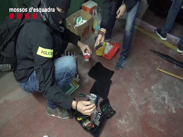 Sucesos.- Cae una banda especializada en robos a empresas en Barcelona provincia