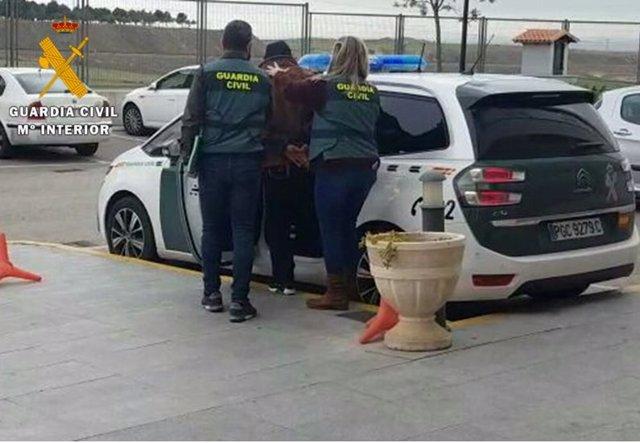 Sucesos.- Detenido por homicidio en tentativa por herir con arma blanca a otro hombre en Yuncos en marzo