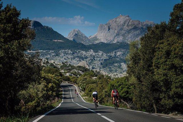 Uns 3.800 atletes participen aquest dissabte en la 'Ironman 70.3 Mallorca'