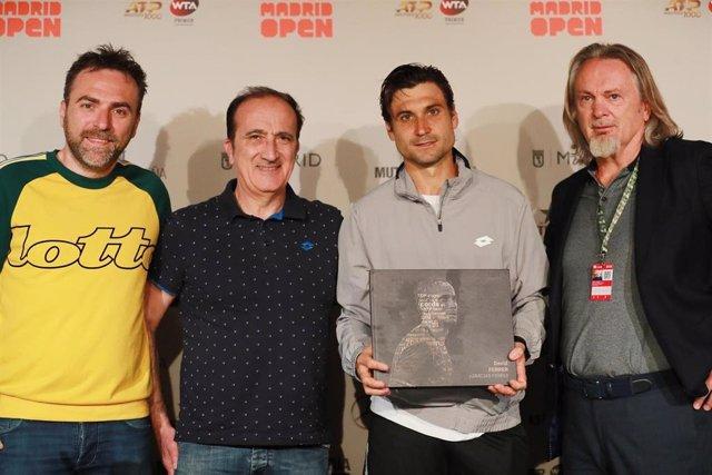 Tenis/Madrid.- Ferrer recibe de Lotto el libro '¡Gracias Ferru!' como homenaje a su carrera