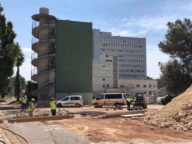 Les obres de demolició de l'antic hospital de Son Dureta duraran nou mesos