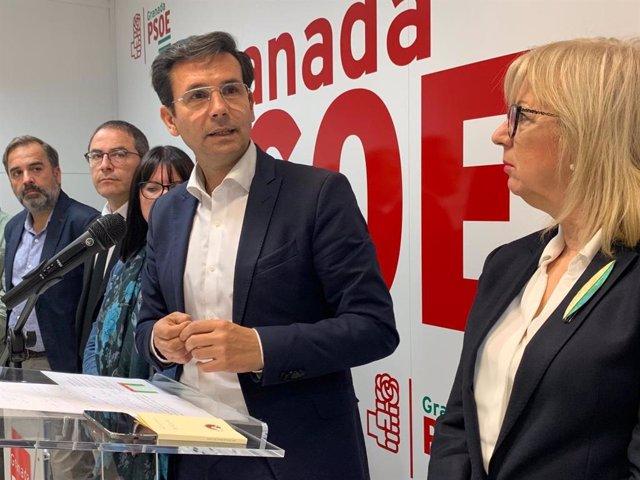 """Granada.- 26M.- Cuenca (PSOE) pide """"triplicar esfuerzos"""" en las municipales para no volver al """"blanco y negro"""""""