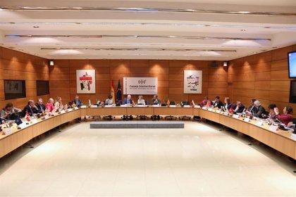 """Murcia insiste en la """"necesidad"""" de cambiar el sistema de financiación en Sanidad y reclama equidad en terapias"""