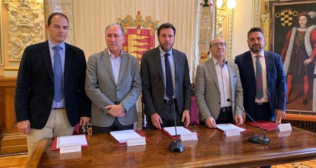 La lucha contra el vaciamiento del centro y la mejora del empleo, retos del plan estratégico del comercio de Valladolid