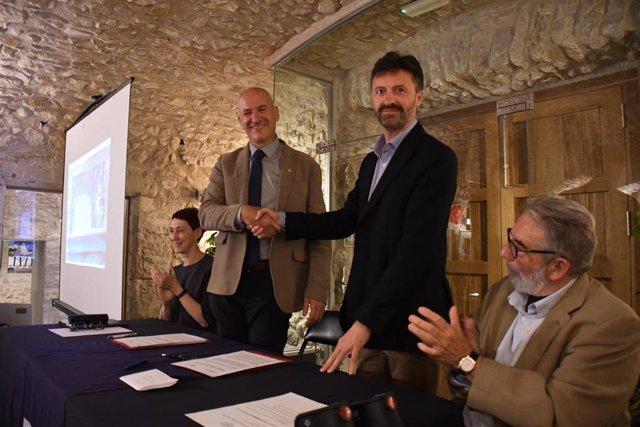 La UdG y L'Escala crean la Cátedra Víctor Català de estudios sobre el modernismo