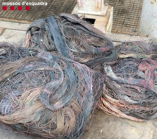 Successos.- Dos detinguts per robar uns 1.000 quilos de cable telefònic a Tarragona