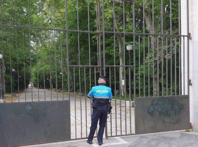 Cerrado el Campo Grande de Valladolid por precaución ante los avisos por fuerte viento