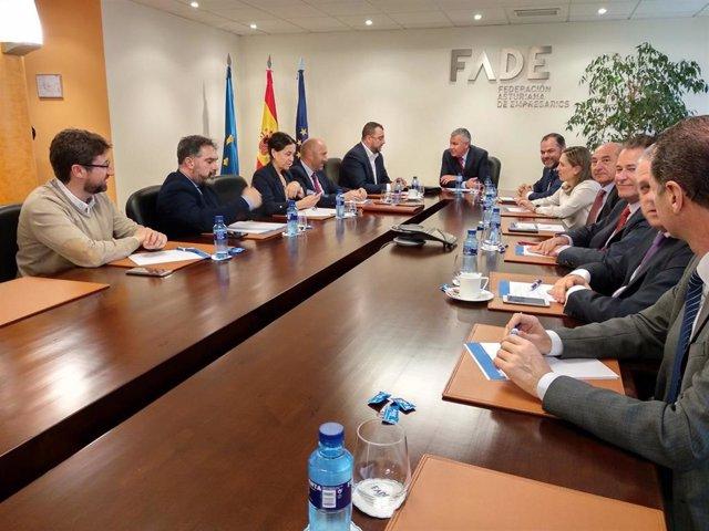 Reunión del secretario general de la FSA-PSOE, Adrián Barbón con Fade