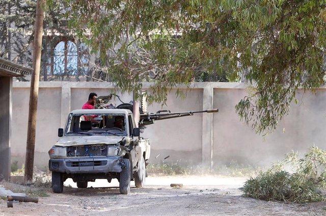 Libia.- Los combates se intensifican en Trípoli y dejan ya casi 400 muertos