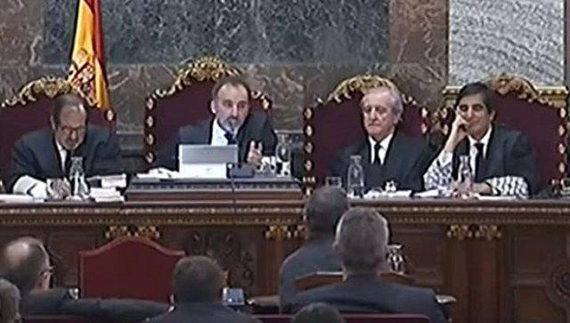 El tribunal dóna 24 hores a Fiscalia, Advocacia i Vox per informar sobre la possible llibertat de presos electes