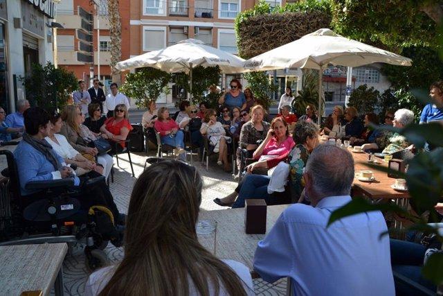 Almería.- 26M.- Amat presenta las propuestas del PP roquetero para la próxima legislatura ante medio centenar de mujeres