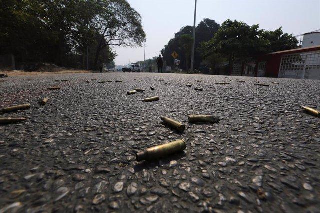Mueren dos personas en un tiroteo en la calle y a plena luz del día en Cuernavaca (México)