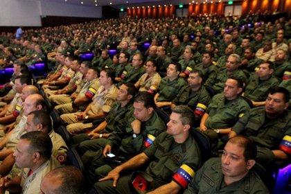 """Las Fuerzas Armadas de Venezuela tildan de """"chantaje"""" las palabras del jefe del Mando Sur de EEUU"""