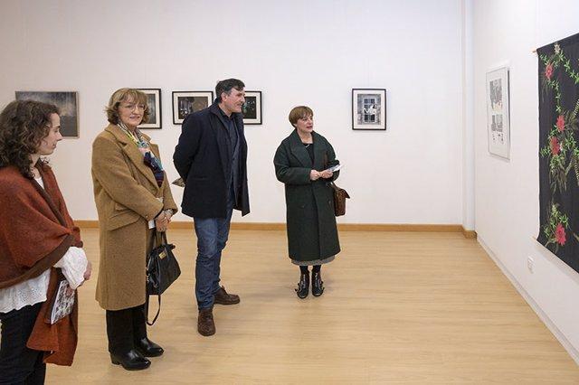 Fernández Mañanes en la inauguración de la exposición de Sara Morante en  'Los A