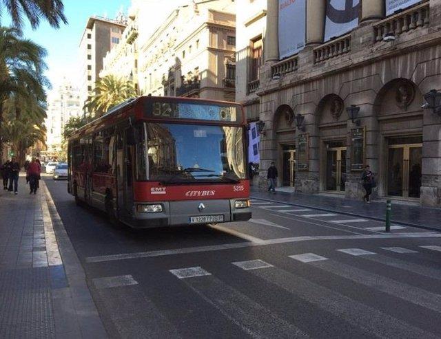 Valencia.- La EMT registra más 1,2 millones de viajeros los días grandes de Fallas