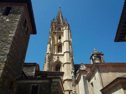 Coto (Vox) ve necesario potenciar el Camino de Santiago a su paso por Oviedo y las relquias de la Cámara Santa