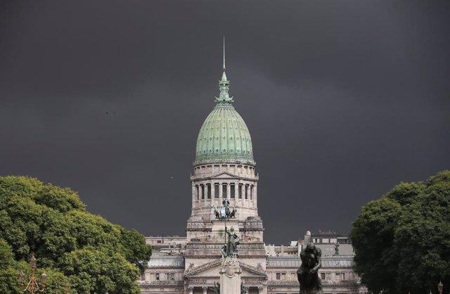 Argentina.- El diputado argentino Héctor Olivera, herido grave tras ser tiroteado junto al Congreso