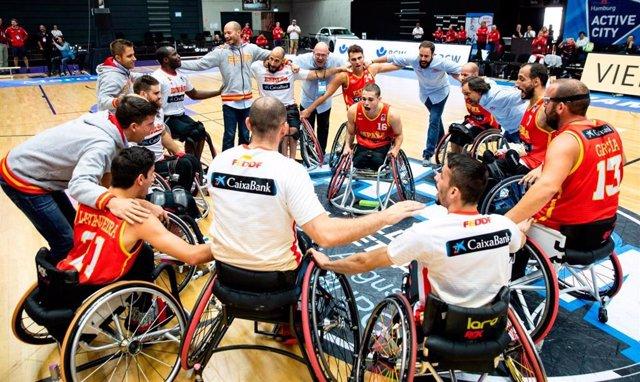 Varios jugadores de la selección española de baloncesto en silla de ruedas