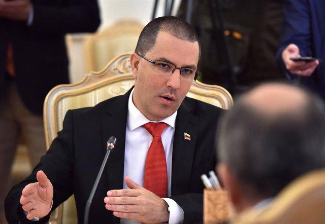"""Arreaza avisa a EEUU de que Venezuela es capaz de derrotar """"a cualquier Ejército por más poderoso que sea"""""""