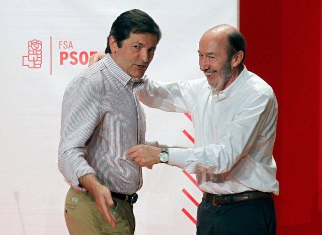 Javier Fernández se desplaza a Madrid ante el empeoramiento del estado de salud de Rubalcaba