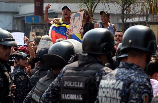 """Venezuela.- Pompeo critica que la represión de Maduro """"no tenga limites"""""""
