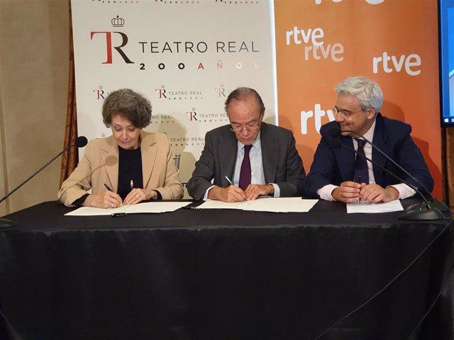 """El Teatro Real y RTVE renuevan su colaboración y potencian 'Palco Digital': """"Estamos al servicio de la cultura"""""""