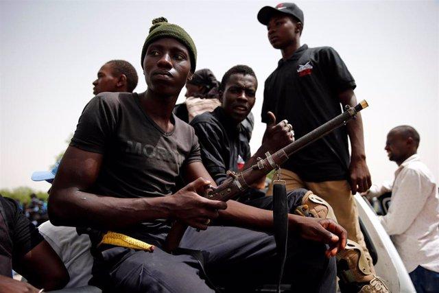 Nigeria.- Las milicias nigerianas de las CJTF liberan a casi 900 niños soldado