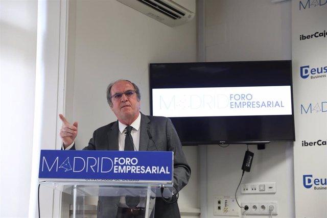 El candidato del PSOE a la Presidencia de la Comunidad de Madrid participa en un desayuno informativo organizado por Madrid Fórum Empresarial