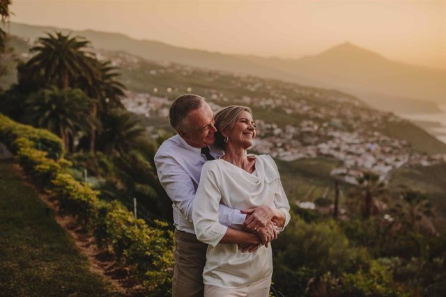 Pareja de mayores en Canarias