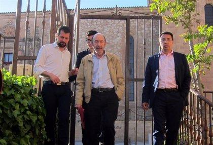 PSOE, Podemos, Cs e IU anulan actos de campaña por la muerte de Rubalcaba