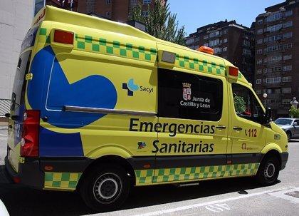 Dos jóvenes heridos tras colisionar un furgón y un turismo en Aldeamayor de San Martín (Valladolid)
