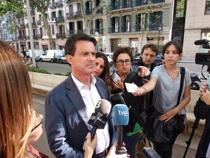 """Valls cree que Rubalcaba """"faltará a la vida política"""" y reivindica su papel en el fin de ETA"""