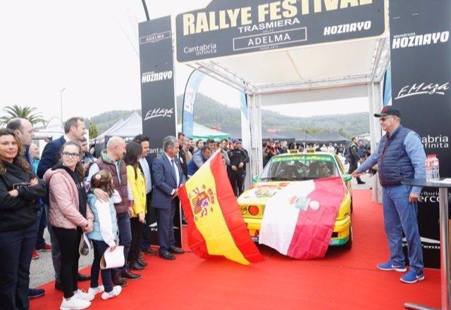 Banderazo de salida al Rallye Festival Trasmiera