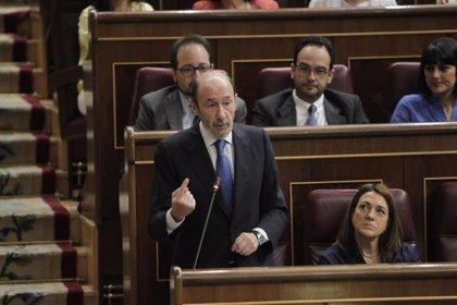 """""""El mayor honor que puede tener un político es ser diputado"""", dijo Rubalcaba en 2014 al anunciar su marcha del Congreso"""