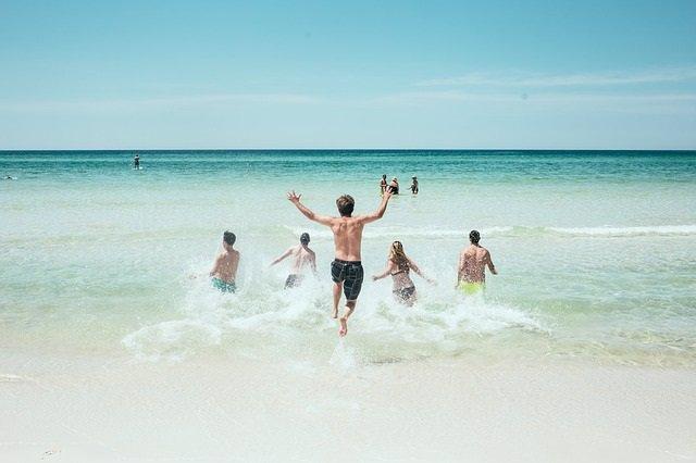 Playa, nadar, vacaciones, mar, sin corte de digestión